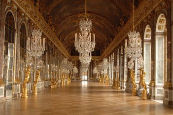 View of the interior of the Château de Versailles